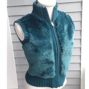 Mim Faux Fur Turqoise Sweater Vest, 2 Taille